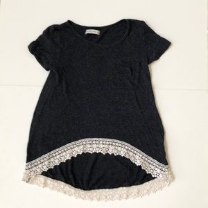 Abercrombie & Fitch Tops - SUPER CUTE ABERCROMBIE AND FITCH HI-LOW SHIRT!!